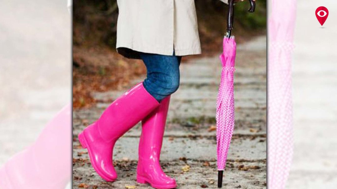 Dress up those toes for the rains