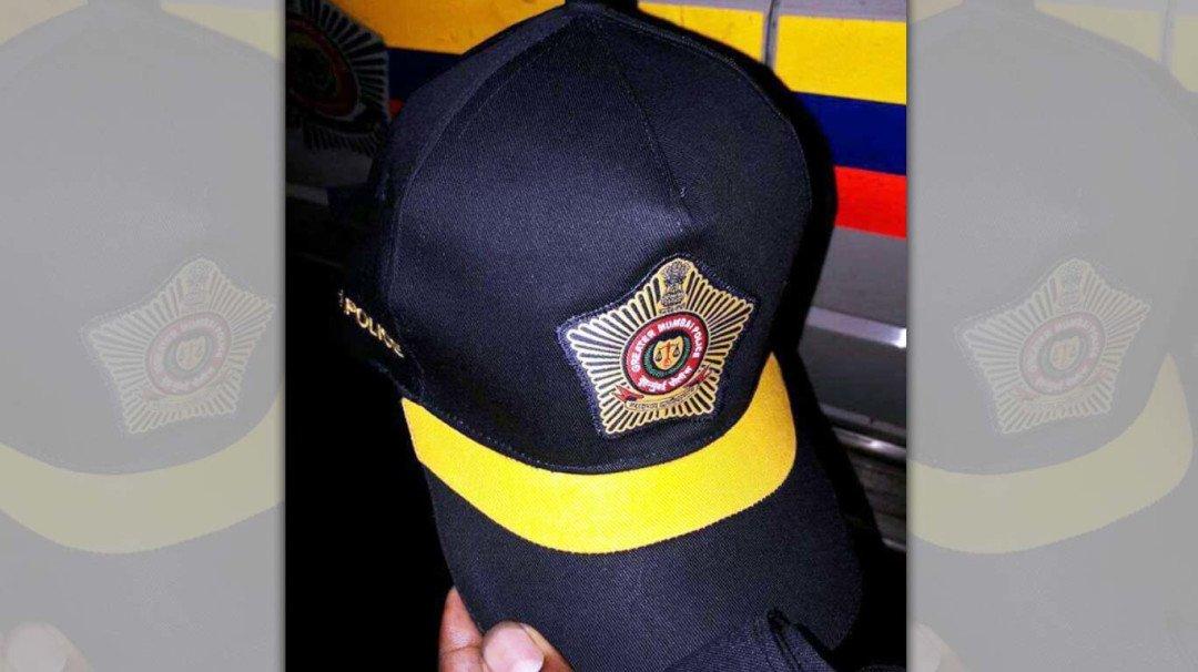 मुंबई पुलिस को मिली स्टाइलिश टोपी, गांधी टोपी हुई इतिहास