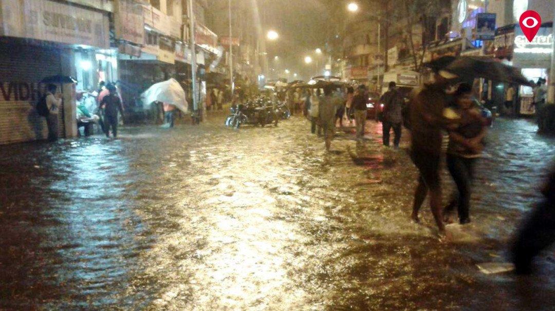 मुसलाधार बारिश से मुंबई हुई पानी पानी