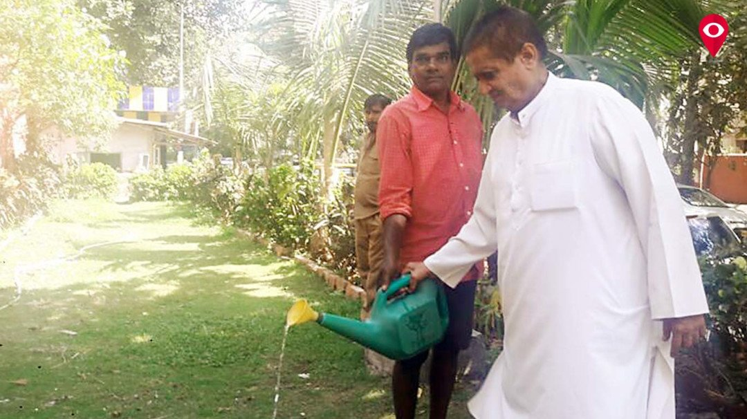 Meet the next Munna Bhai MBBS who does Gandhigiri in real life by planting around 1, 24000 trees