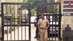 पुलिस अधिकारी के पत्नी की हत्या, बेटा लापता