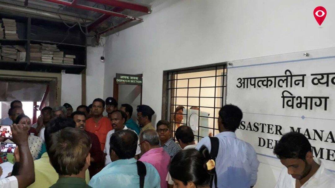 बीएमसी ने संजय निरुपम को आपातकालिन व्यवस्थापन में जाने से रोका