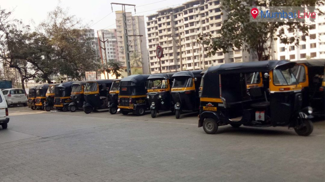 Illegal parking of autos on road