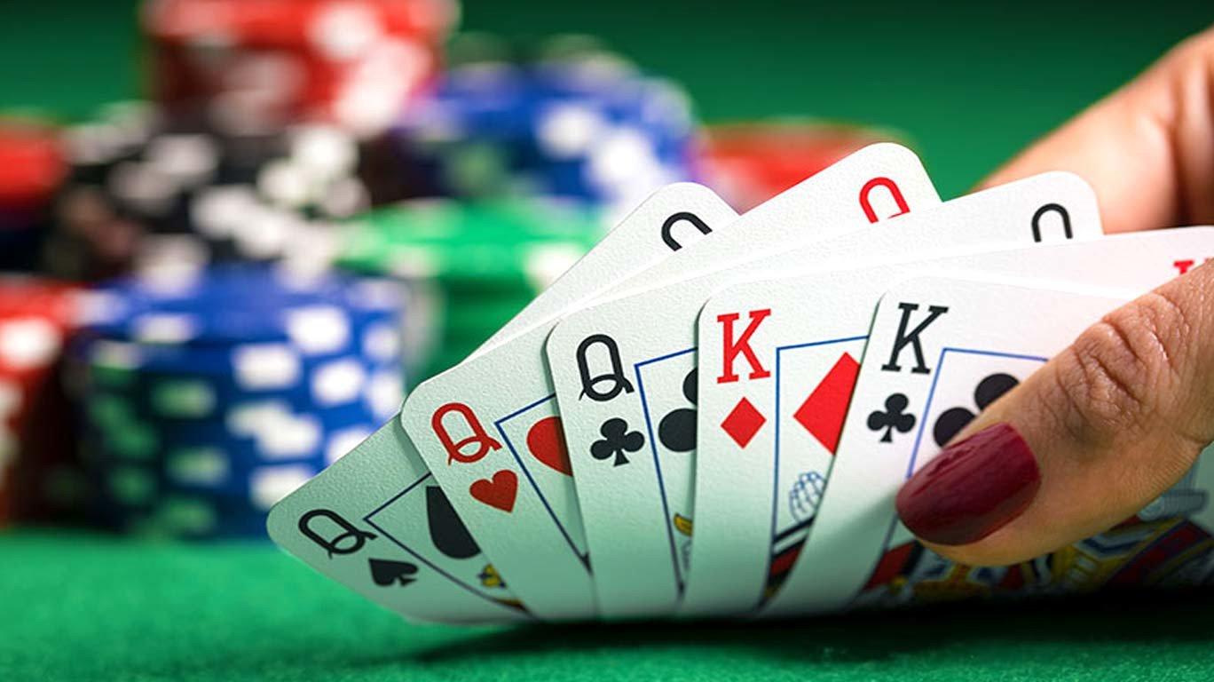 https://www.mumbailive.com/images/news/Poker_1507900723392.jpg?w=1368