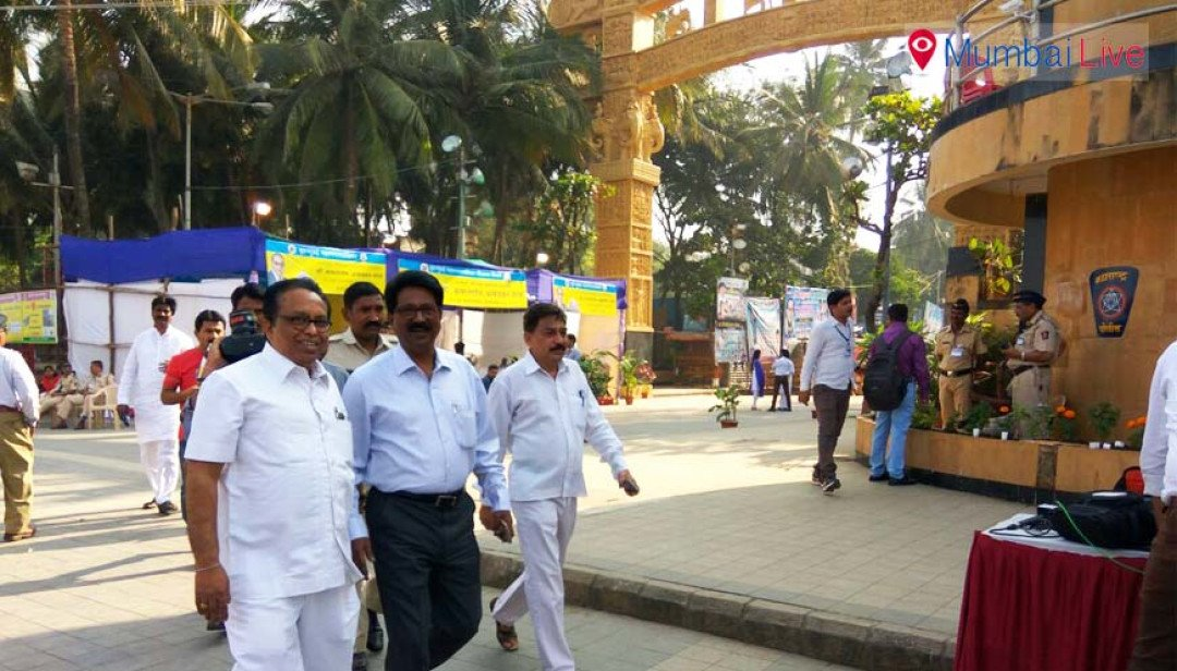 Politicians mark presence at Chaitya Bhoomi