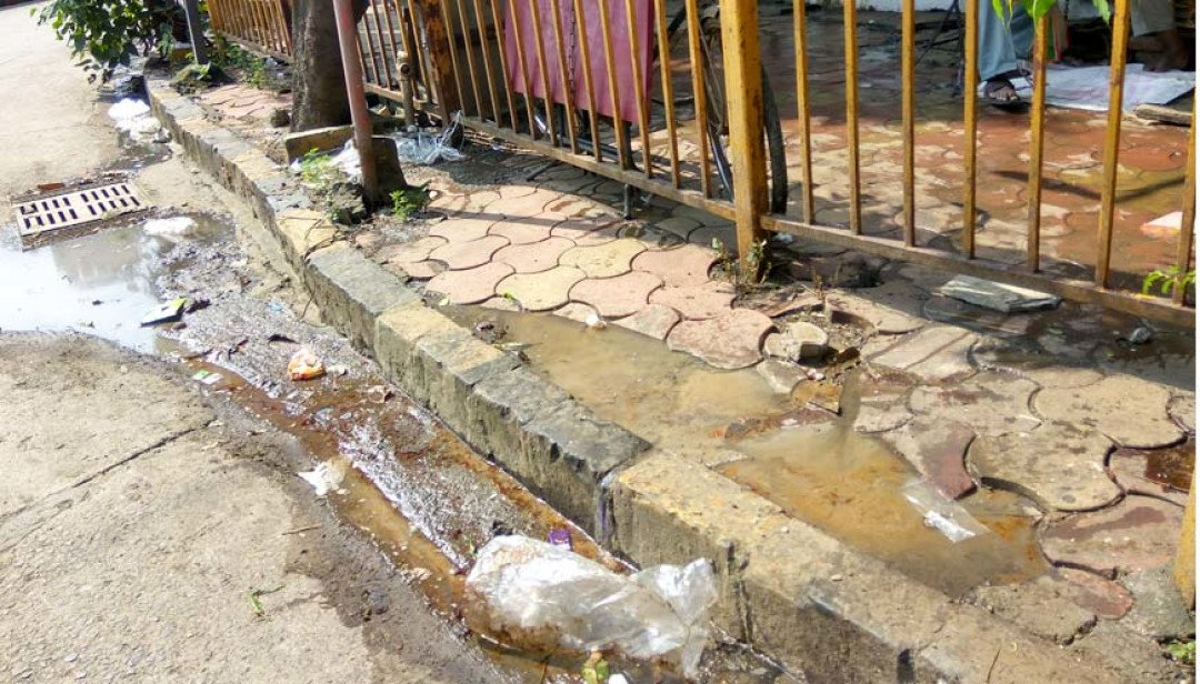 Gutter overflows on streets