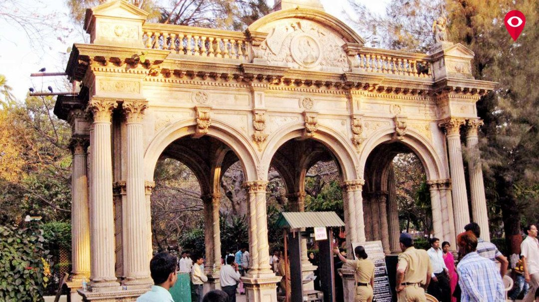 Mumbaikars face problems due to lack of public toilets in Rani Baug Zoo