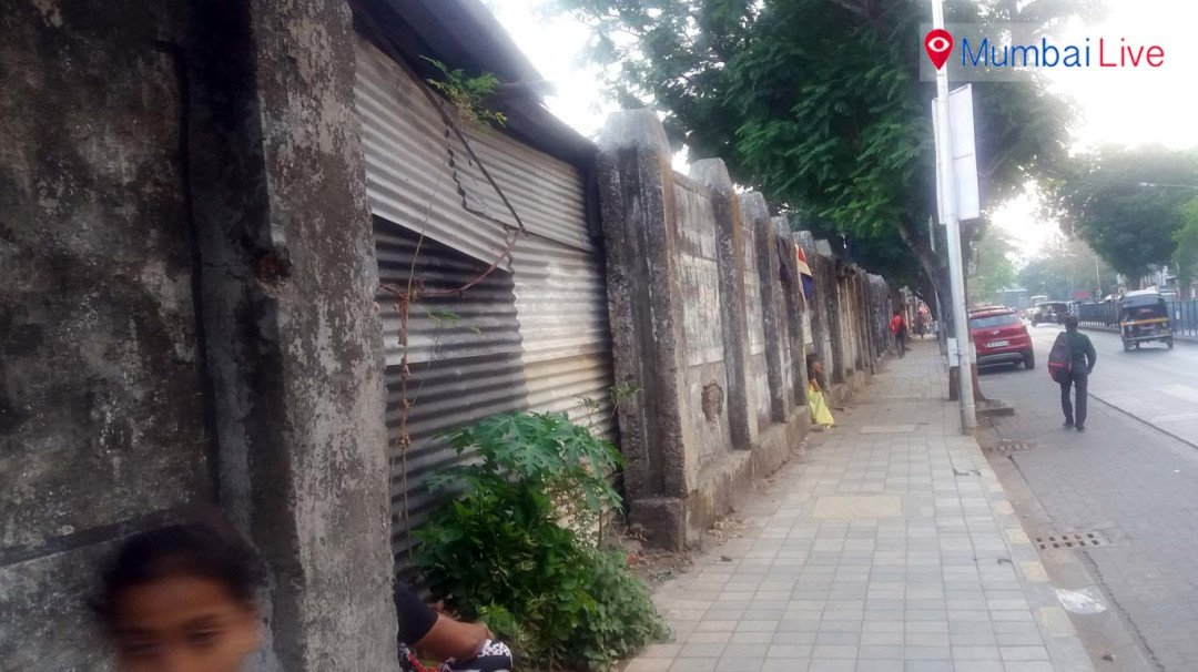 Unauthorised shanties woes for railways