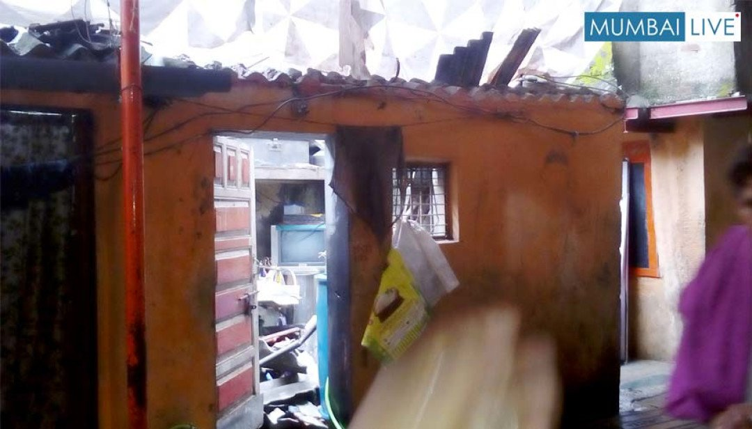 House collapses at Khar injuring one
