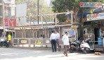 'मुंबई लाइव्ह'च्या दणक्यानं बॅनर उतरले