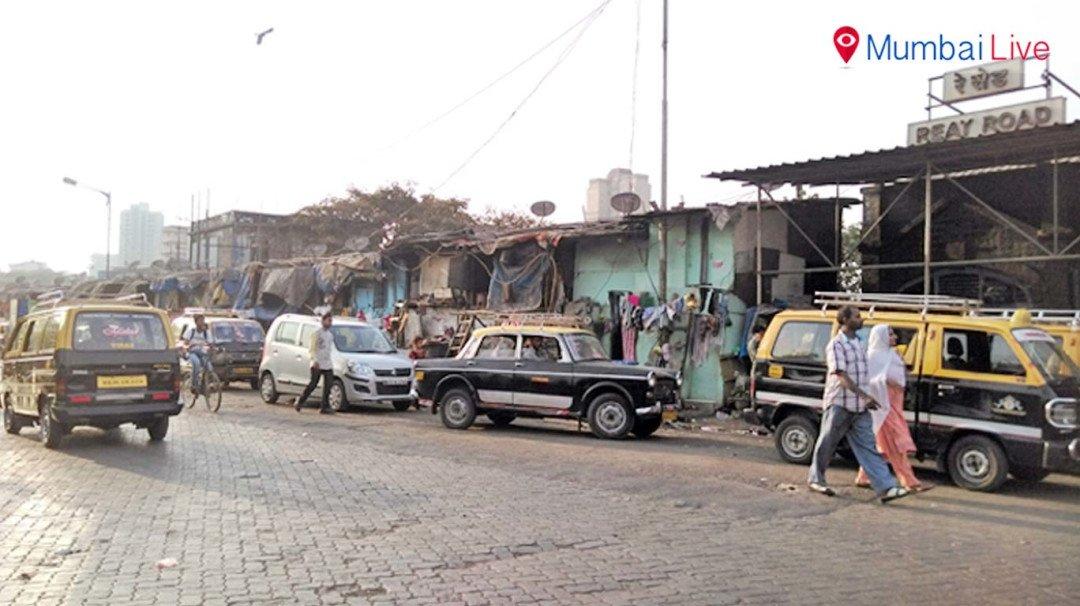 रे रोड स्टेशन बना अवैध झुग्गियों का अड्डा