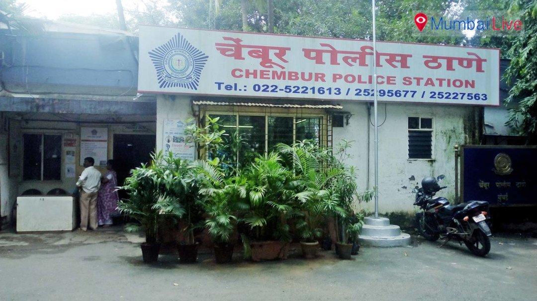 Unknown men thrash auto driver and steal auto rickshaw
