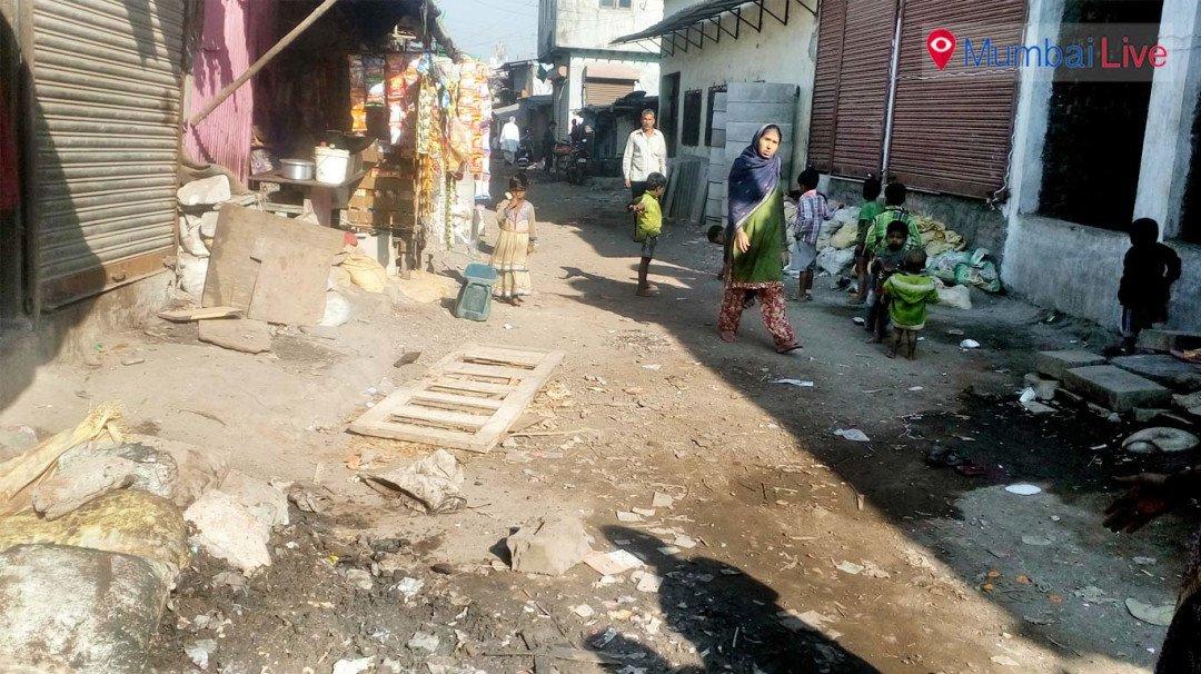 डिजिटल इंडिया का सपना...लेकिन अच्छी सड़क तक नहीं