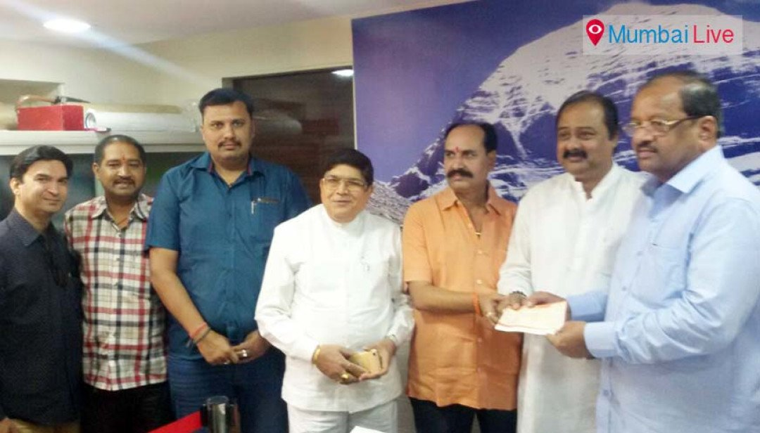 Hindi speaking union felicitated MP Gopal Shetty
