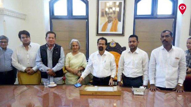Salim Khan and Waheeda Rehman demand removal of toilets