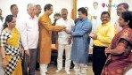 Sanjay Ghadi joins Shiv Sena