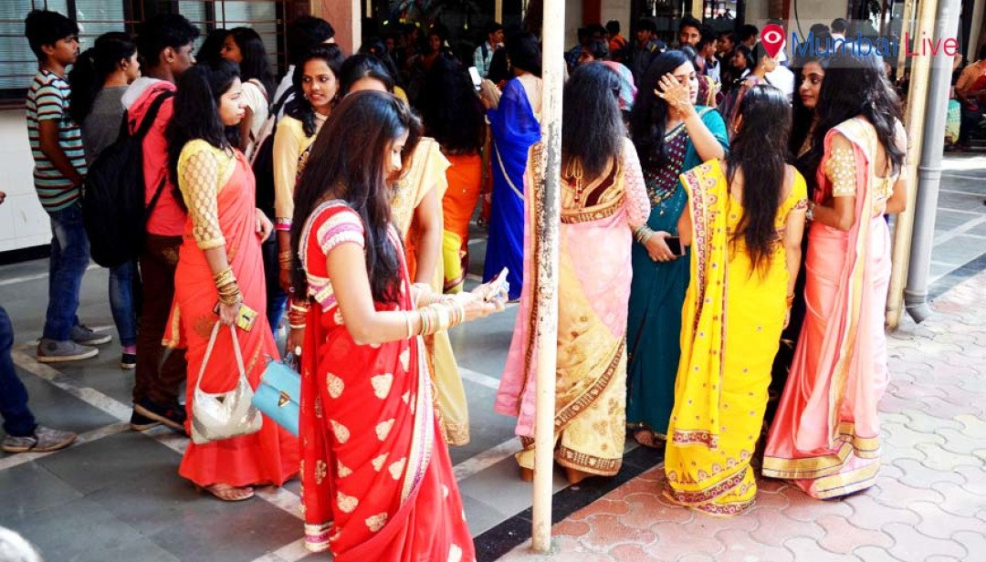 Girls celebrate 'Saree Day' in Barfiwala College