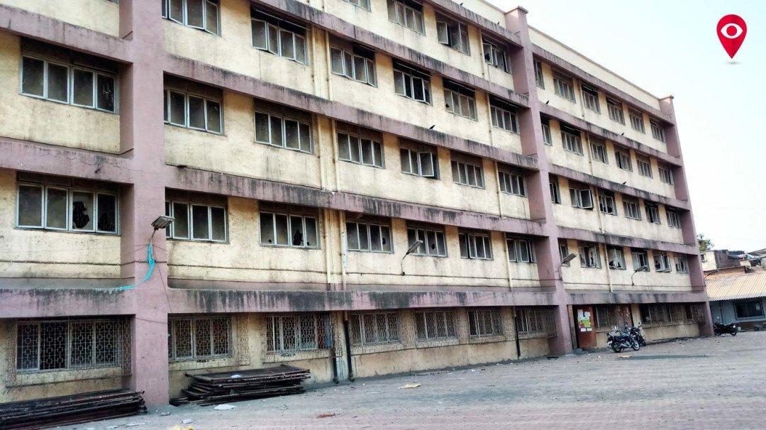 तामिळ शाळेची पुनर्बांधणीच्या नावाखाली केवळ डागडुजी