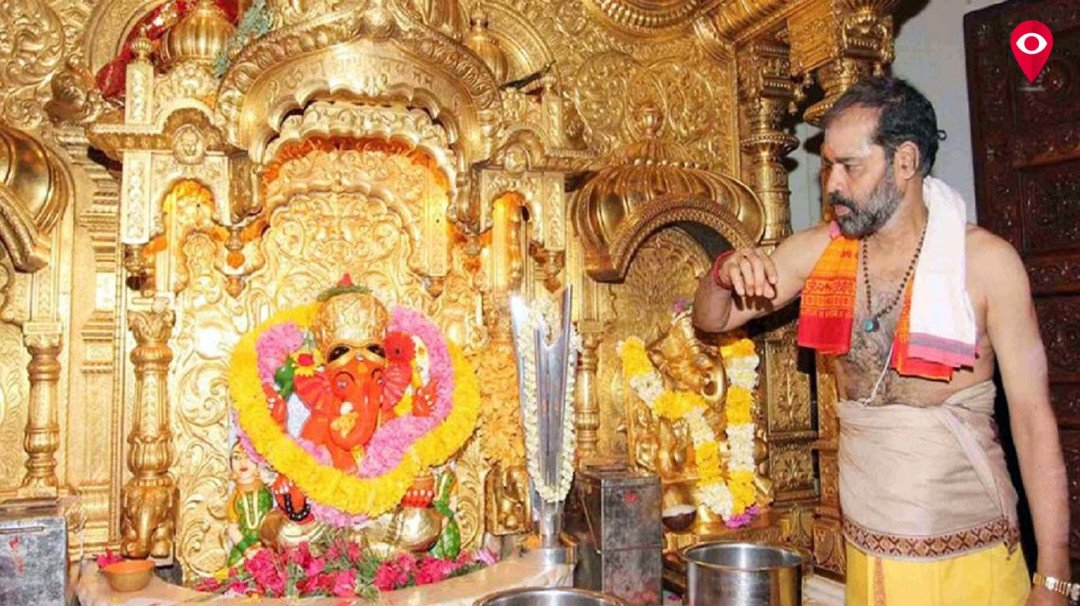 Siddhivinayak trust auctions off 112 offerings worth Rs. 23,65,824