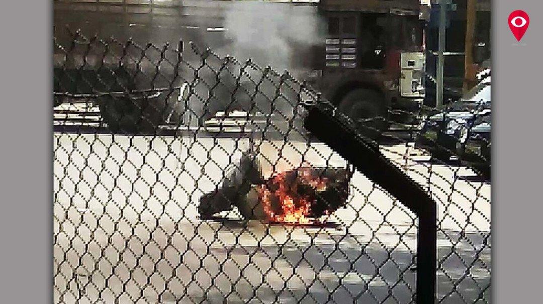 बाइक में लगी आग, बाइक सवार हुआ फरार