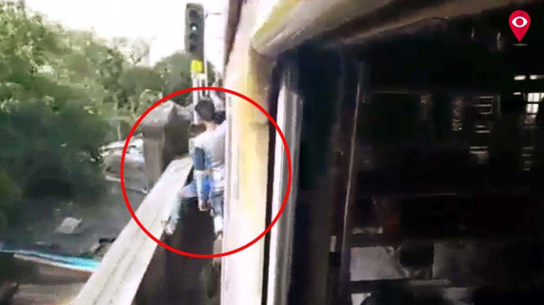 फिर वायरल हो रहा चलती ट्रेन में स्टंट करने का वीडियो