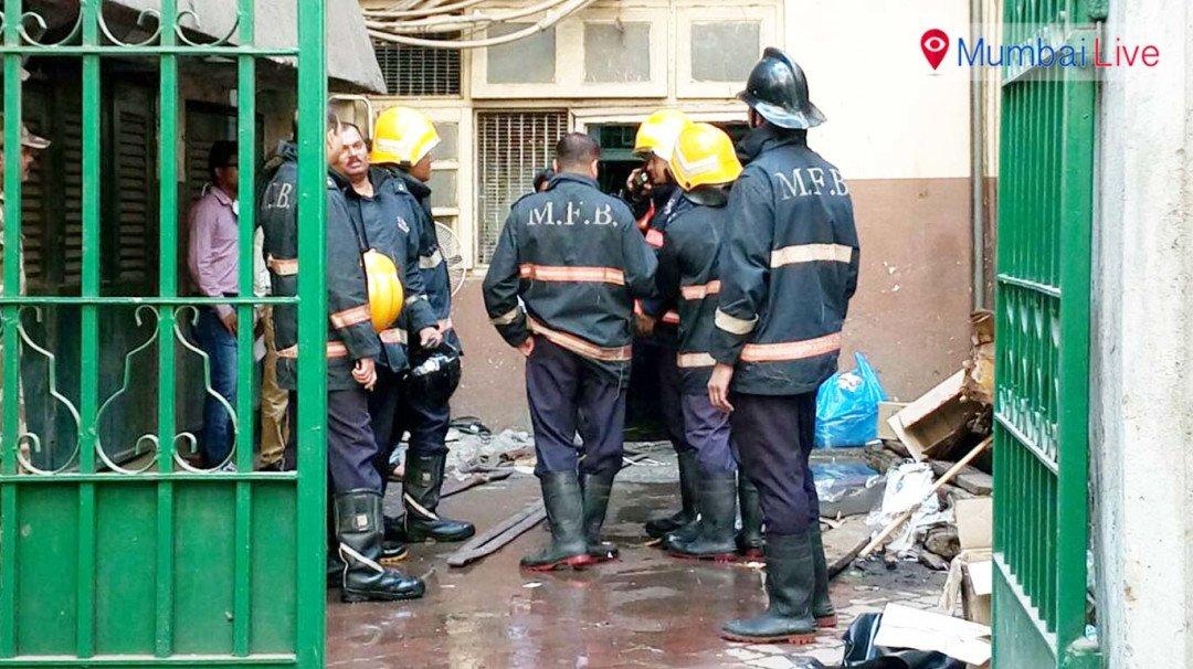 टाटा रुग्णालयाच्या बेसमेंटमध्ये आग