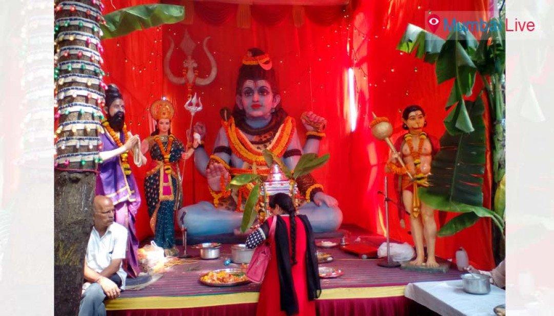 Taxi - drivers organise Satyanarayan Puja