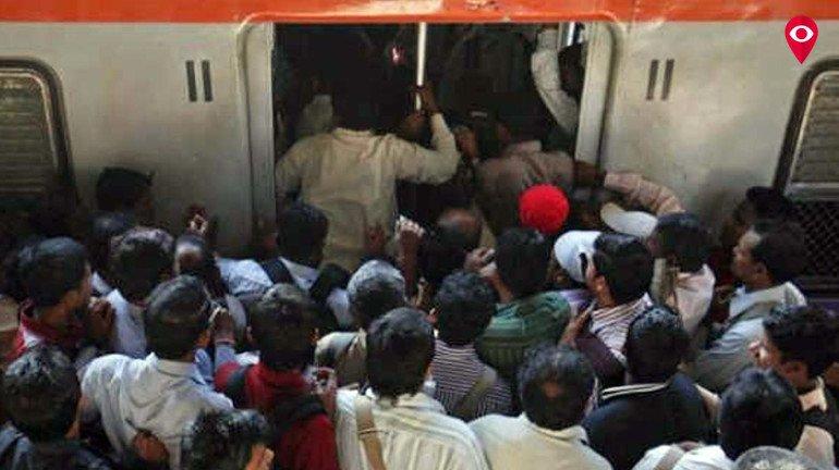 Technical glitch at Ghatkopar station affects CR services