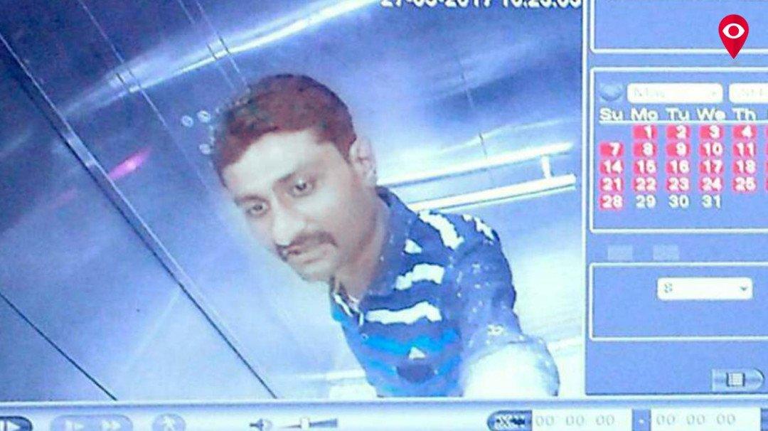 'ठग्स ऑफ़ मुंबई' पीस रहा जेल की चक्की