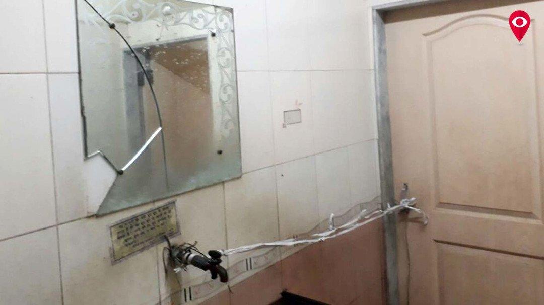 बीएमसी का खुद का शौचालय जर्जर, स्वच्छता अभियान को कैसे देगी बढ़ावा