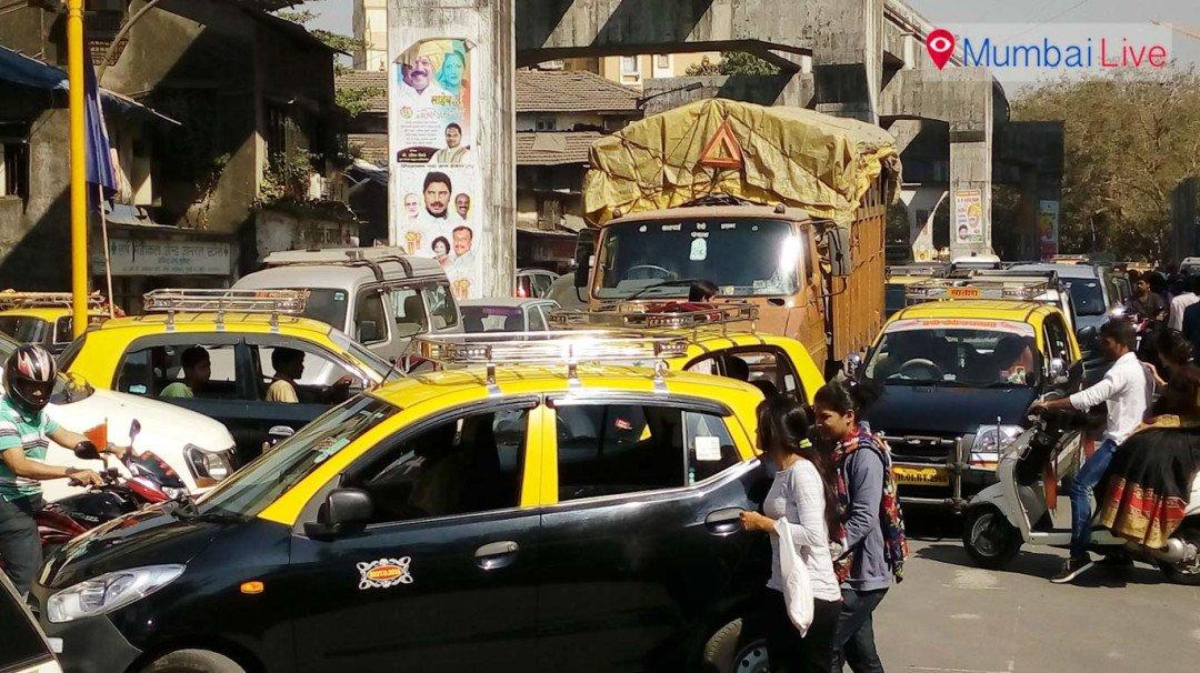 अवैध पार्किंग से ट्रैफिक जाम
