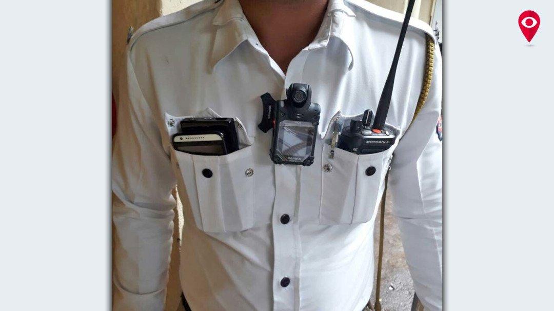 ट्रैफिक पुलिस से बदतमीजी होगी कैमरे में कैद