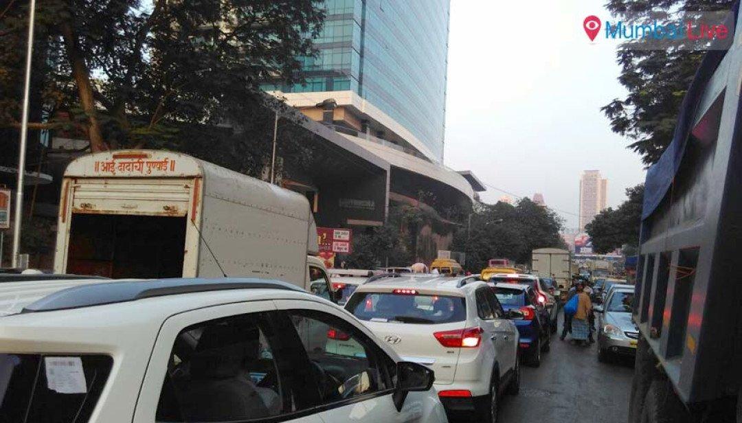 Lower Parel - a new hub for traffic jam