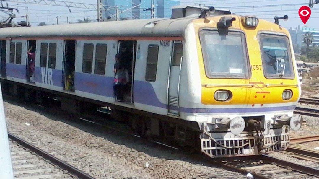 बेटिकट यात्रियों पर कार्रवाई से पश्चिम रेलवे की तिजोरी भरी