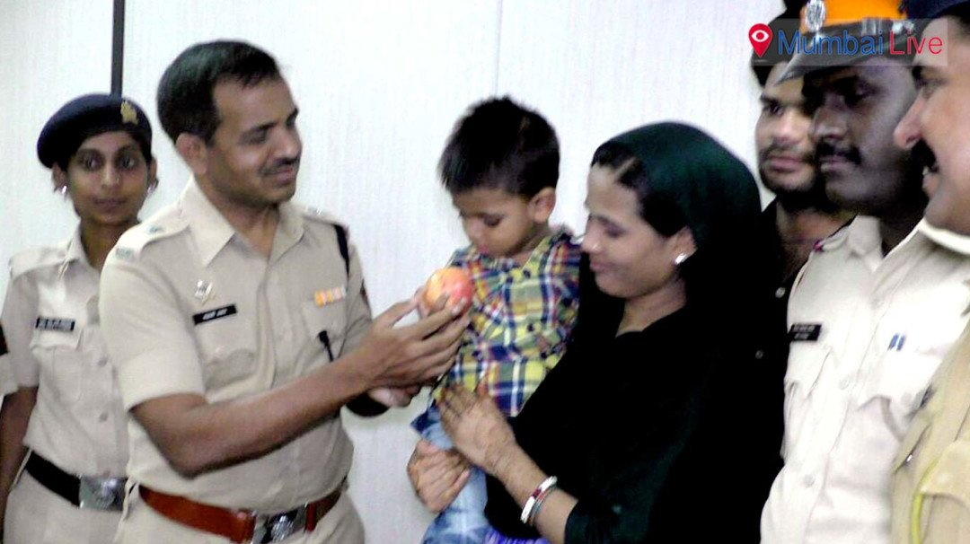 Cops help toddler re-unite with family