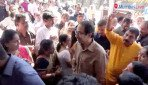 Uddhav Thackeray meets party workers