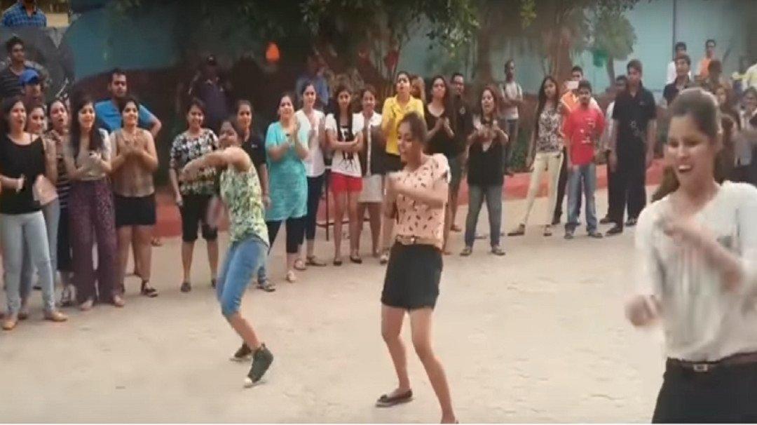 इंटरनेट पर धूम मचा रहा आईआईटी की लड़कियों का ये डांस विडियो