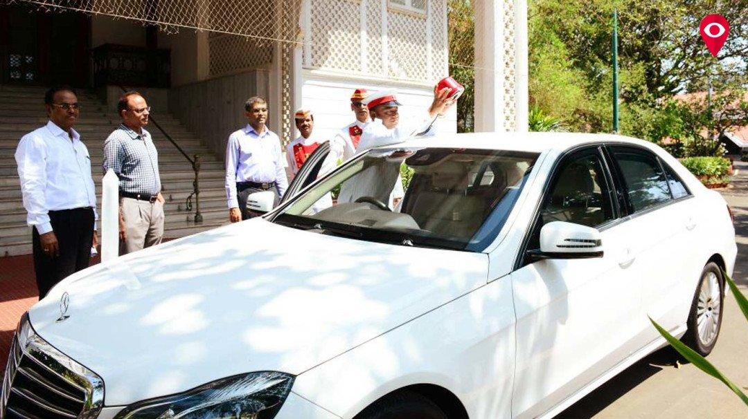 राज्यपाल ने अपनी गाड़ी से उतरवाई लालबत्ती