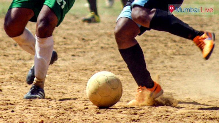 वाकोल्यात फुटबॉल लीगची चौथी फेरी