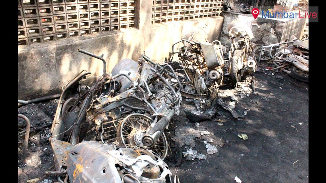 6 bikes burnt to ashes