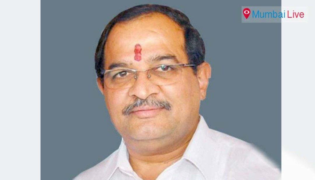 Vikhe-Patil targets UddhavThackeray