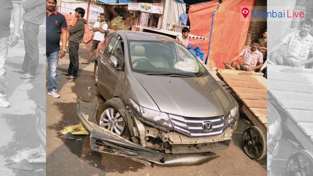 Car hits road divider in Wadala