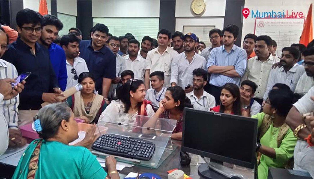 Yuva Sena gets college principal to apologise