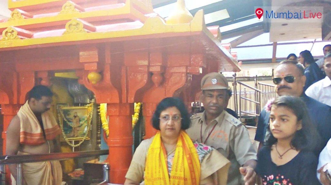 Arundhati Bhattacharya visits Siddhivinayak Temple