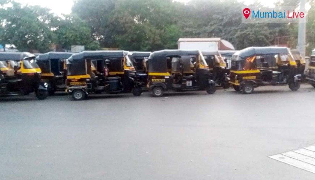 रिक्षाची अवैध पार्किंग