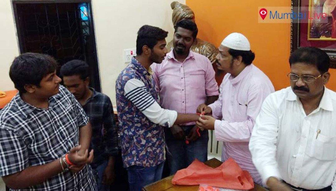 Muslim youths join Yuva Sena