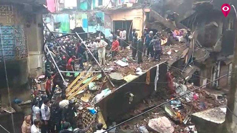 भिवंडीत चार मजली इमारत कोसळून तिघांचा मृत्यू, आठ जखमी