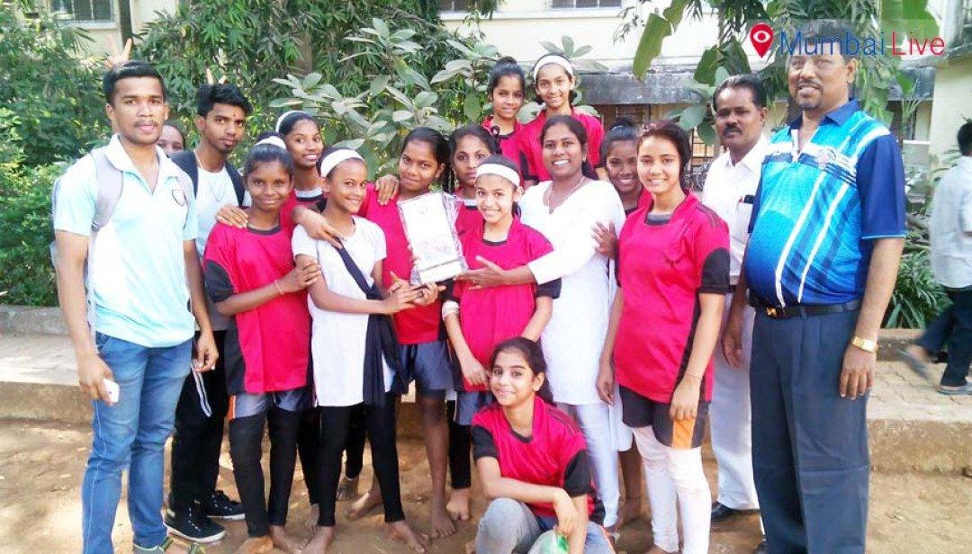 कबड्डी स्पर्धा में लड़कियों ने दिखाया दम