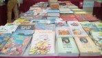 वाचकांसाठी पुस्तकांची मेजवानी