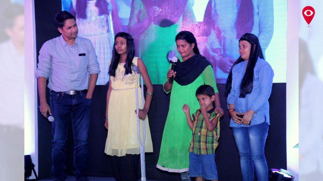 मनीषा कोइराला और प्रिय दत्त कैंसर के मरीजो के साथ एक मंच पर